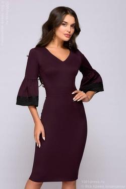 8c003aadc0e Заказать. Платье-футляр цвета марсала с расклешенными рукавами и кружевной  отделкой