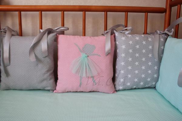 Аппликация на подушке балерина