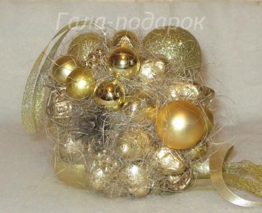Новогодние шары из конфет своими руками 58